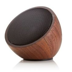Walnød speaker