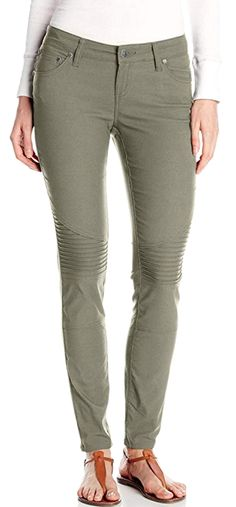 Quick drying pants for women never looked so good and felt so soft then these moto style skinny ones by PrAna. Click through to find out what our readers recommended for best women's quick dry pants for travel! Travel Outfits, Travel Fashion, Travel Style, Best Travel Pants, Travel Clothing, Moto Style, Skinny Pants, Quick Dry, Fashion Pants