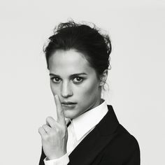 Images For > Alicia Vikander Pure