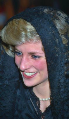 Princess Diana - Vatican 1985    Meeting the Pope with Prince Charles!