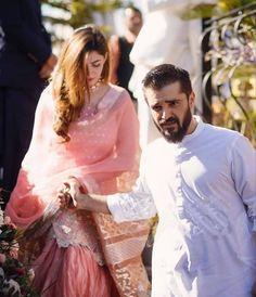 Like a thorough - these two are absolutely adorable! Asian Wedding Dress Pakistani, Desi Wedding Dresses, Pakistani Formal Dresses, Pakistani Fashion Party Wear, Pakistani Girl, Muslim Fashion, Pakistani Actress, Bollywood Wedding, Wedding Poses
