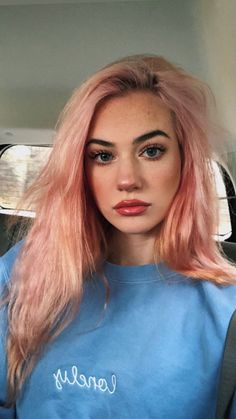 5 Pastel Pink Hair Color Ideas for 2019 : Take a look! Pastel Pink Hair, Pink Wig, Hair Color Pink, Hair Colors, Girl With Pink Hair, Pink Haired Girl, Peachy Hair Color, Lilac Hair, Gold Hair