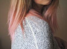 I'm doing this to my hair this week! Cannot wait :) Rose Bleach London dip dye on blonde hair, so good!