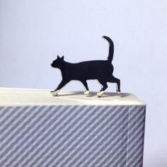 SoldOut品切れ中ご注文いただければ一週間ほどでお作りいたします。猫のシルエットのブックマークです。本の上をお散歩です。下部がダイヤのデザインです。プレゼ...|ハンドメイド、手作り、手仕事品の通販・販売・購入ならCreema。