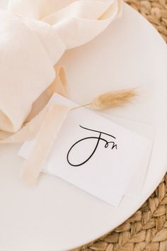 Easy DIY Thanksgiving Place Cards For Your Table - Kaytee Lauren