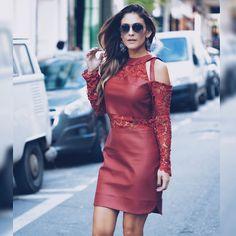 Vestido lindo da @goldendress !! Couro + renda = ❤️!! → ph: @conradis