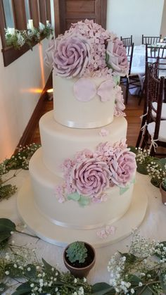 Lovely pink garden roses on an ivory fondant covered wedding cake. Pink Garden, Garden Roses, Charcoal Wedding, Round Wedding Cakes, Wedding Reception, Reception Ideas, Wedding Ideas, Beach Ceremony, Cakes And More