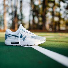 Nike Air Max Zero Essential: Smokey Blue/White