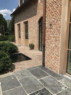Precious Tips for Outdoor Gardens - Modern Interior Exterior, Exterior Design, Terrace Tiles, Driveway Design, Barn Renovation, Garden Paving, Brickwork, House Front, Building Materials