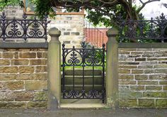 traditional-home-fencing-and-gates.jpg (640×452)