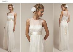 Simple yet elegant. Saja wedding dress.