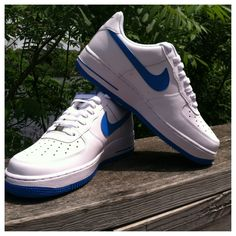 Release Report: The classic on-court AF1 is back in White and Photo Blue.