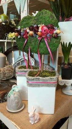 Pin by Ankica on Bouquets Easter Projects, Easter Crafts, Centerpieces, Table Decorations, Topiary, Christmas Art, Diy And Crafts, Jar, Wreaths