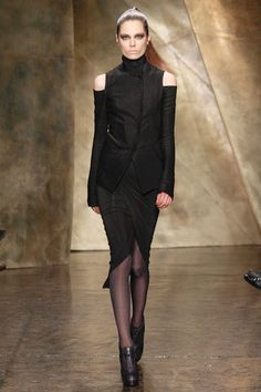 Donna Karan Fall 2013 Ready-to-Wear Collection Slideshow on Style.com