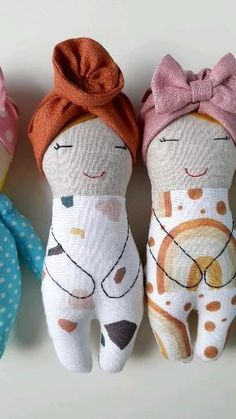 Doll Patterns Free, Doll Sewing Patterns, Sewing Dolls, Handmade Dolls Patterns, Doll Clothes Patterns, Easy Sewing Projects, Sewing Projects For Beginners, Doll Crafts, Kids Crafts