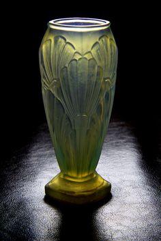 Opalescent vase   par Glassholic
