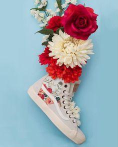 Flower Power: The Dazie-Hi Leila. Photo by @linneabullion #vansgirls