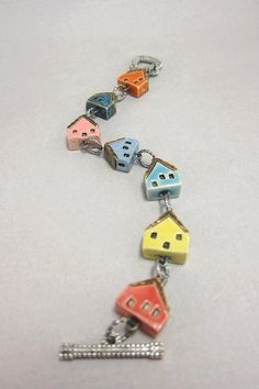 What a cute idea for polymer clay. Ceramic Jewelry, Ceramic Beads, Clay Beads, Polymer Clay Jewelry, Lampwork Beads, Porcelain Clay, Ceramic Clay, Ceramic Pottery, Clay Projects