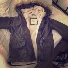 SALEAbercrombie & Fitch jacket! Never worn, removable fur on the hood. Lots of pockets. Reasonable offers welcome. Abercrombie & Fitch Jackets & Coats