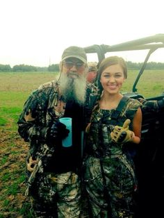 Sadie Robertson with Uncle Si Robertson from Duck Dynasty. That's what I call family time.