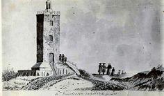 De vuurtoren aan de Boulevard van Katwijk (ook wel Vuurbaak of Vierboet genoemd), dateert uit 1605. De oude (witte of Andreaskerk) uit 1465.