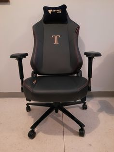 Secretlab Titan XL Review: The Best Gaming Chair for Big & Tall ? Gamer Chair, Large Chair, Rugby Men, Tall People, Big & Tall, Rocking Chair, Real Leather, Gaming, Good Things