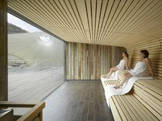 A Spot in the Shade: Germany's Palais Thermal Spa and Sauna – Decor is art Sauna Steam Room, Sauna Room, Spa Design, Pool Spa, Spas, Sauna Wellness, Sauna Seca, Spa Sauna, Outdoor Sauna