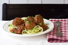 Enjoy these tasty-hearty meatballs simmered in home-made sauce. Low sodium, grain-free, and migraine-friendly. | Low Tyramine