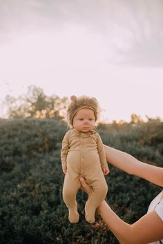 Cute Kids, Cute Babies, Baby Girl Photos, Future Goals, Baby Halloween Costumes, Children And Family, Baby Fever, Children Photography, Swan
