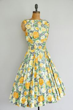 1950s dress / vintage 1950s full skirt floral by simplicityisbliss