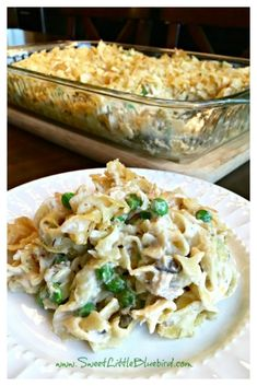 Today I am sharing an old-school classic and family favorite — Old Fashioned Tuna Noodle Casserole! Comfort food at its best! If you were a kid growing up in the and there's a good chance this casserole was served often at the dinner table — it was a Best Tuna Casserole, Tuna Casserole Recipes, Noodle Casserole, Old Fashioned Tuna Casserole Recipe, Tuna Macaroni Casserole, Shrimp Casserole, Fish Recipes, Gourmet Recipes, Cooking Recipes