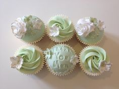 mother's day cupcakes by Cheryl's Cake Boutique