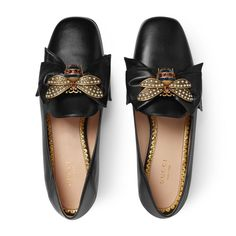Discover the Collection of Women's Loafers & Moccasins at GUCCI UK. Shop Velvet GG Loafers and Leather Pumps. Pointy Toe Flats, Black Ballet Flats, Leather Ballet Flats, Bow Flats, Black Flats, Stilettos, Pumps, High Heels, Black Leather Flats