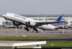 United Airlines Boeing 777-222 BRU, Belgium