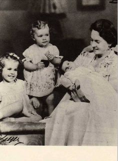 And the family grows.  Princess Sybilla in 1938 with her and Gustav Adolf's 3 eldest children, L-R:  Princess Margaretha, Princess Birgitta and newborn Princess Desiree.  Another daughter, Princess Christina, would arrive 5 years later.  Like her distant cousin, Empress Alexandra of Russia, Sybilla spent many years under pressure to produce a male heir.  That pressure helped to make her life in Sweden difficult.
