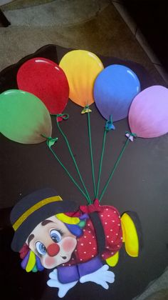 Un lindo payasito para ambientar el aula infantil Kids Crafts, Clown Crafts, Carnival Crafts, Preschool Crafts, Diy And Crafts, Cardboard Crafts, Foam Crafts, Paper Crafts, Birthday Bulletin