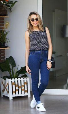 Look: Poá, Skinny Jeans e Tênis