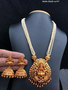 Jewellery Collection For order and details WhatsApp - 9100679560 Pearl Necklace Designs, Jewelry Design Earrings, Gold Earrings Designs, Gold Jewellery Design, Pearl Jewelry, Pendant Jewelry, Bridal Jewelry, Gold Jewelry, Pearl Chain