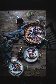 Zuerst essen wir Kochbuch + A Blueberry Dutch Baby adventuresincooki . - food photography + flat lay photo inspiration for food photographers - Dark Food Photography, Photography Backdrops, Photography Lighting, Shape Photography, Photography Studios, Photography Filters, Photography Courses, Photography Magazine, Gastronomia
