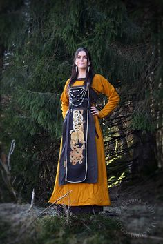 Valkyrja - New wollen dress and embroidered forecloth