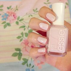Obsessed with @shannoncampbell97's simple pink mani!