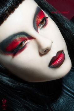 15 Unique Yet Scary Halloween Devil Face Makeup Ideas & looks 2015 Makeup Inspo, Makeup Art, Makeup Inspiration, Beauty Makeup, Makeup Ideas, Geisha Makeup, Dead Makeup, Queen Makeup, Clown Makeup