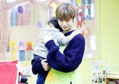 Não acredito que essa ft salvou meu dia  Hyungwon