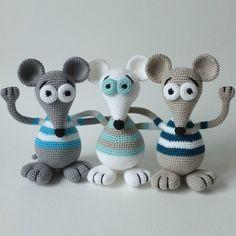 Háčkovaná Myška - Návod / Zboží prodejce LeN-LeN   Fler.cz Crochet Animal Patterns, Crochet Animals, Crochet Toys, Amigurumi Toys, Stuffed Toys Patterns, Giraffe Illustration, Crochet Dolls, Craft, Tejidos