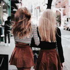 Best friends photography idea Brandy Melville