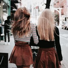 Best friends photography idea Brandy Melville