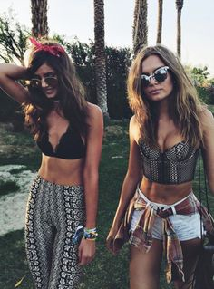 Festival season has already begun with Coachella, arguably the most stylish music event, but it is not the only one. Definitely in every country there is at least one summer music festival to atten… Music Festival Outfits, Festival Wear, Festival Fashion, Music Festivals, Reggae Festival, Coachella Festival, Festival 2016, Hippie Festival, Mode Hippie