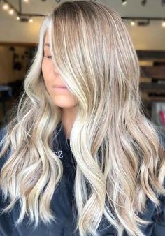 50 Long Blonde Hair Color Ideas in Many of us wondered that at some point we would look like athlete blonde tresses. Don't worry here we have prepared a list of yellow color ideas to he. Blonde Balayage Highlights, Chunky Highlights, Caramel Highlights, Color Highlights, Blonde Bayalage, Short Balayage, Balayage Brunette, Blonde Hair Shades, Cool Blonde Hair