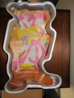 Vintage Wilton PINK PANTHER cake pan from 1977.  Has original insert, but not the instructions.  How cool!