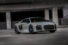 Watch Chris Harris hoon an Audi R8 V10 Plus, Porsche 911 Turbo and Acura NSX in the rain - http://www.quattrodaily.com/video-watch-chris-harris-hoon-audi-r8-v10-plus-porsche-911-turbo-acura-nsx-rain/